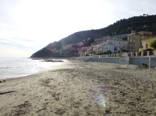 am Strand von Laiguéglia